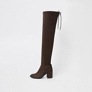 Braune Overknee-Stiefel aus Wildlederimitat