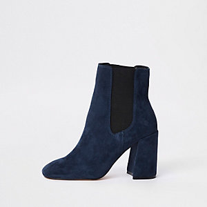 Marineblauwe laarzen van imitatiesuède met blokhak