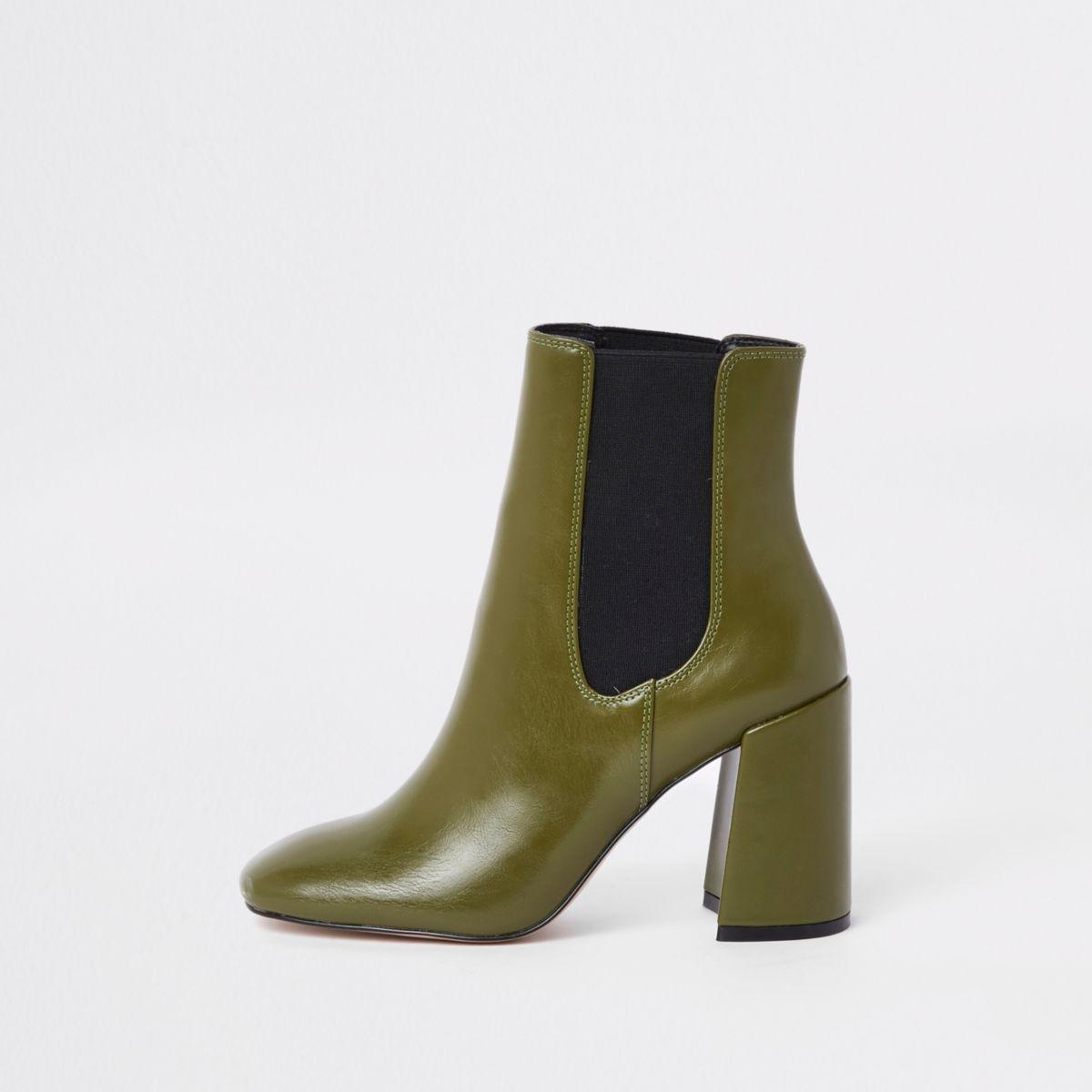 Green block heel Chelsea boots