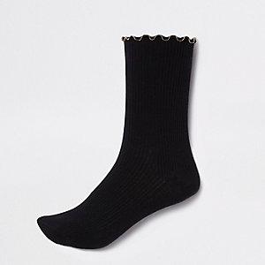 Black chain hem ribbed ankle socks