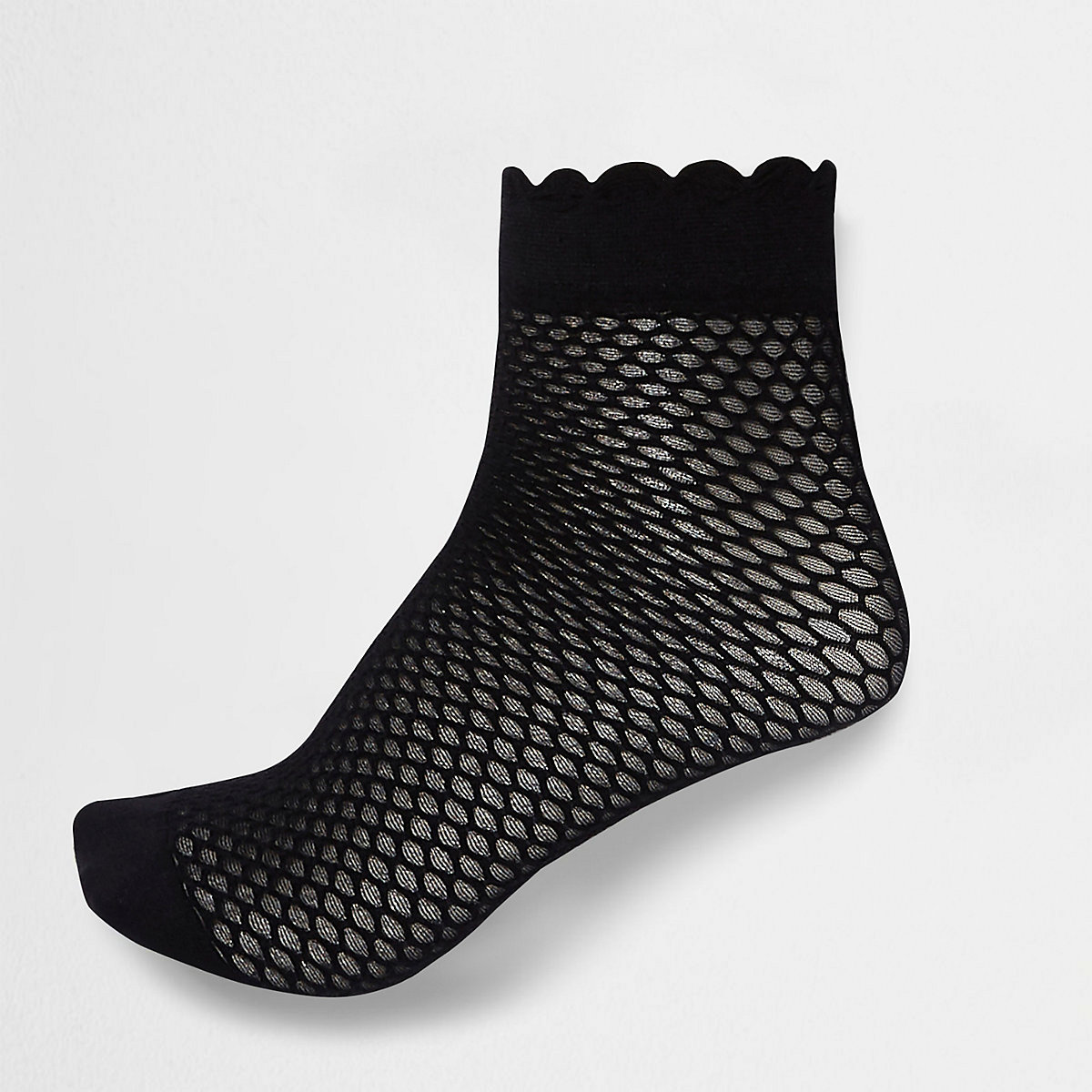 Black scallop edge ankle socks