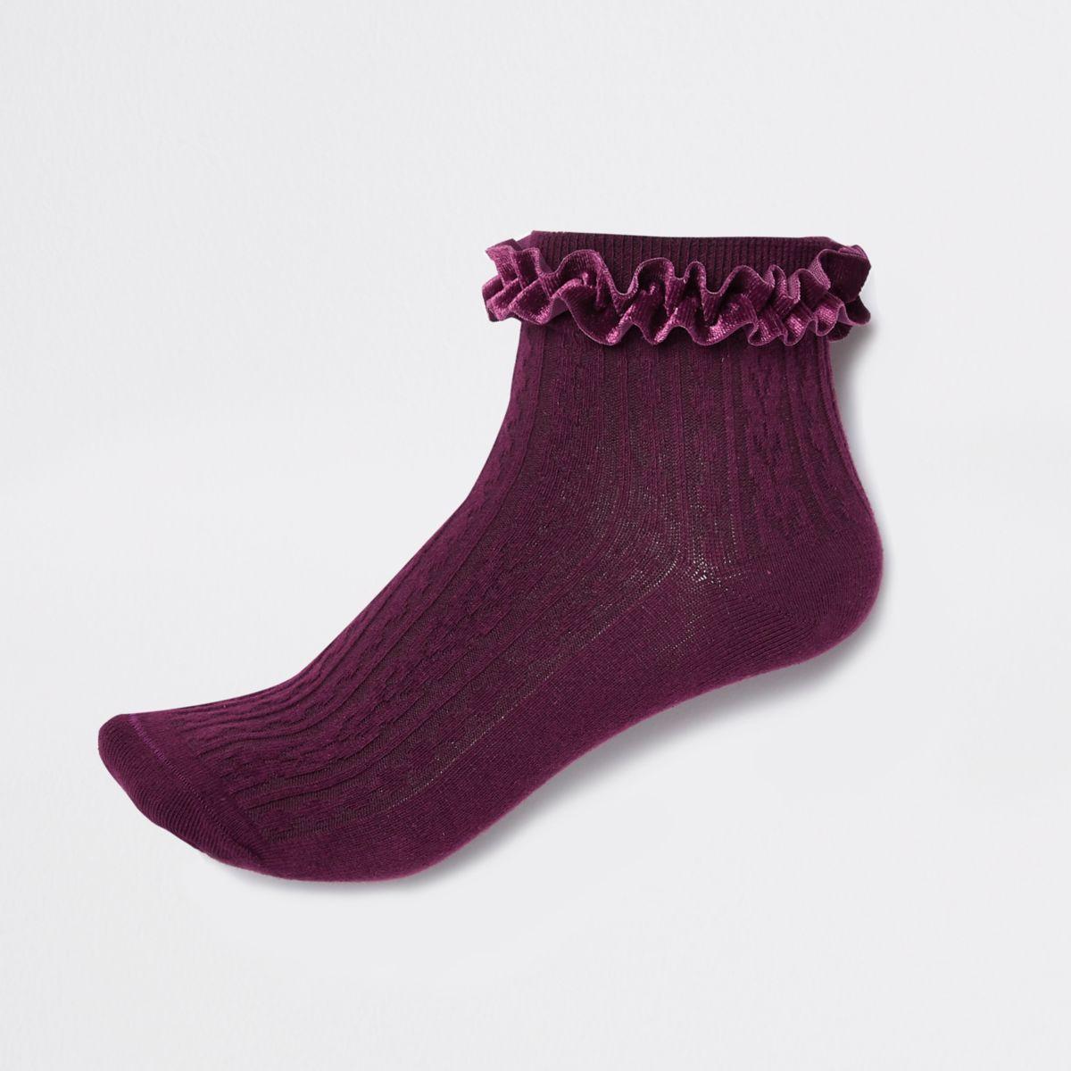 Red cable knit velvet frill ankle socks