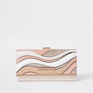 Roze portemonnee met druksluiting