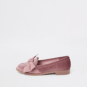Pink suede round toe bow loafers