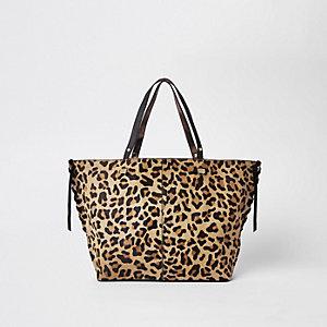 Braune Shoppertasche aus Leder mit Leopardenmuster