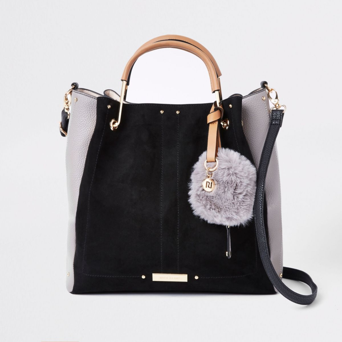 Zwarte tas met goudkleurige hengsels