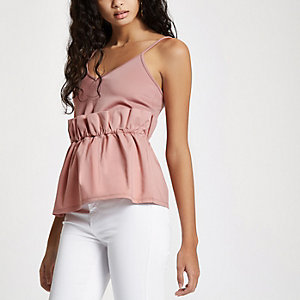 Roze camitop met geplooide taille