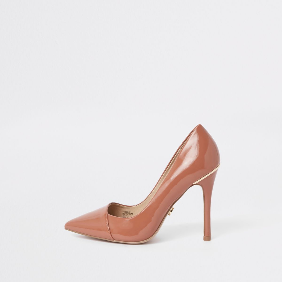 Tan wide fit patent pointed toe court shoes