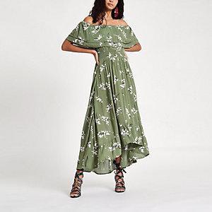 Groene maxi-jurk in bardotstijl met ruches