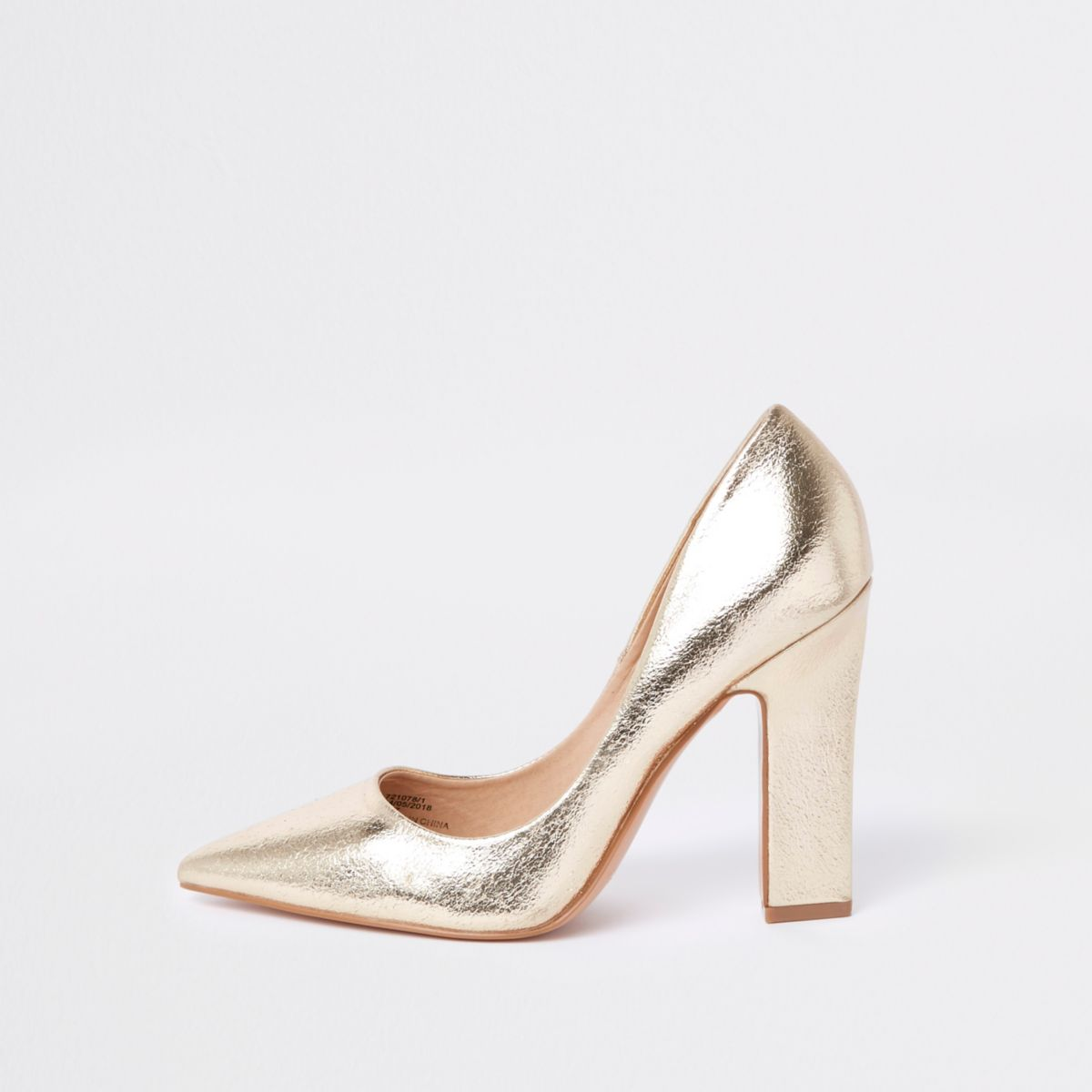 Gold metallic pumps
