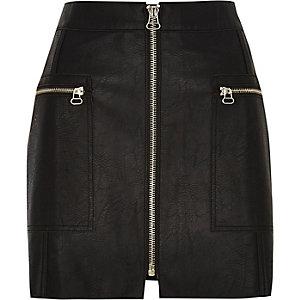 Petite – Mini-jupe en cuir noire zippée sur le devant