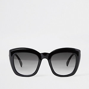 Black glam sunglasses