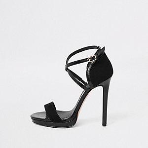 Zwarte minimalistische sandalen met plateauzool