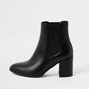 Black pointed block heel boots