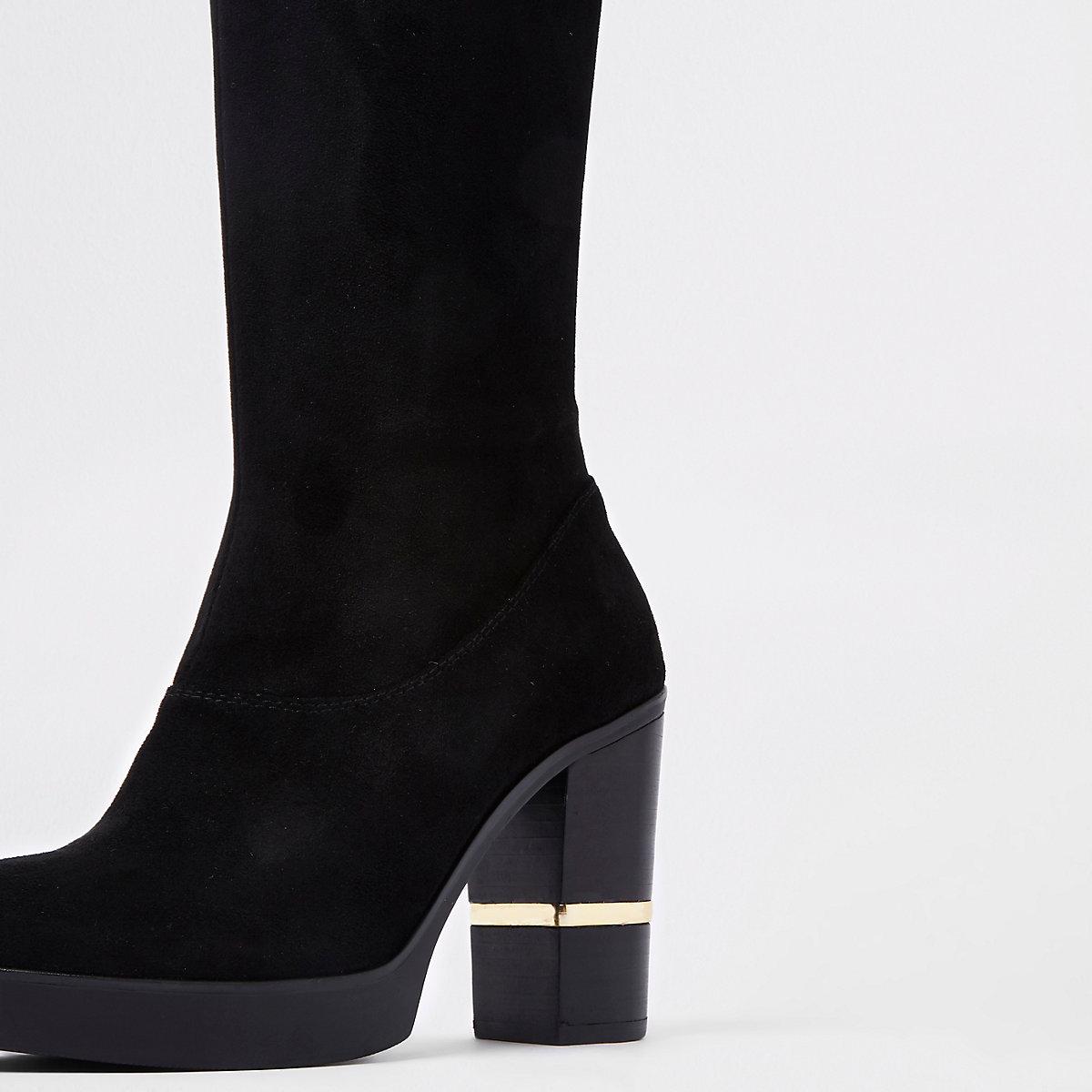 Zwarte kniehoge laarzen van imitatiesuède met blokhak ...