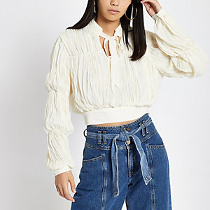 Cream puff sleeve tie neck crop top