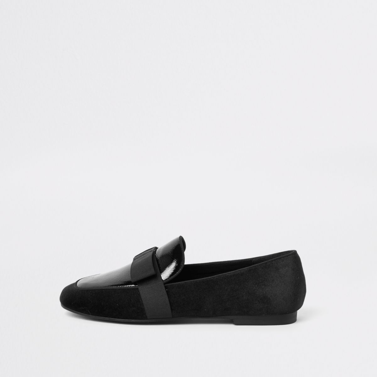 Black bow square toe loafers