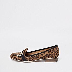 Bruine loafers met luipaardprint en sleutel met slotje