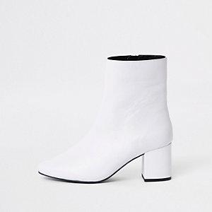 Wit leren laarzen met blokhak