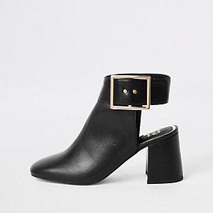 Zwarte schoenlaarsjes met open achterkant