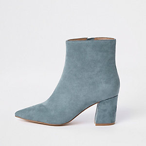 Lichtblauwe puntige laarzen met blokhak