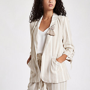 Beige stripe brooch ruched sleeve blazer