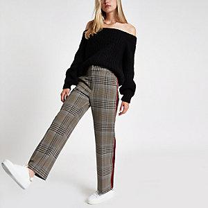 Schwarzer Bardot-Pullover aus Strick
