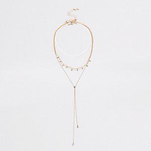 Lot de colliers dorés avec perles et strass
