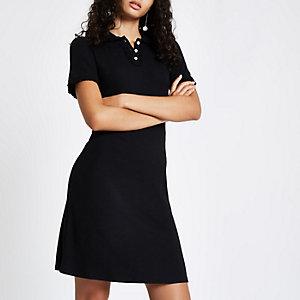 Zwarte mini-jurk met kraag