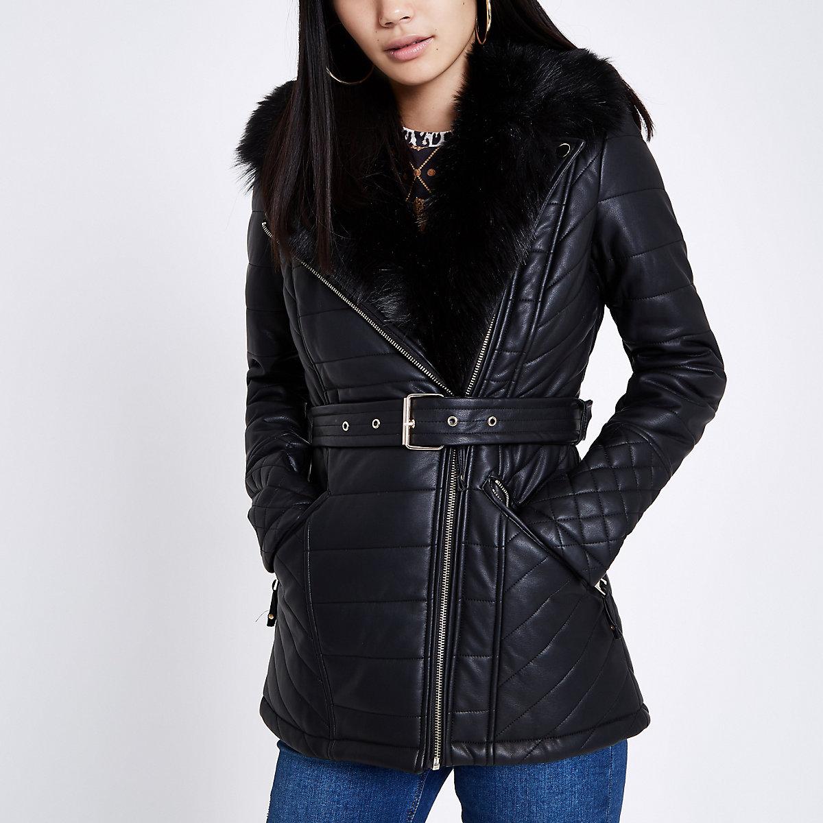 Zwarte gewatteerde jas van imitatieleer