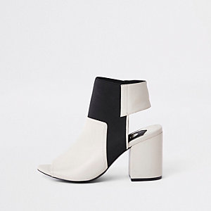 Cream elastic shoe boots