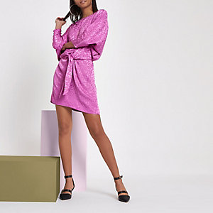 Robe mi-longue RI Studio rose en jacquard avec nœud sur le devant