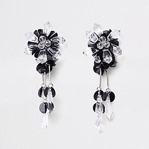 Schwarze Hängeohrringe mit Pailletten und Perlen