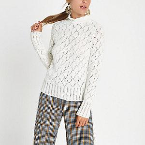 Pullover in Creme mit Rollkragen