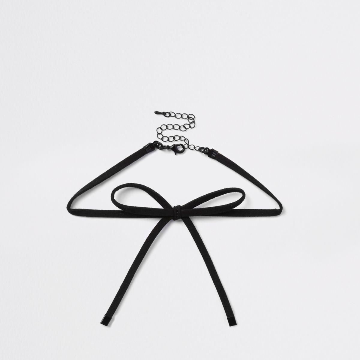 Black velvet bow choker