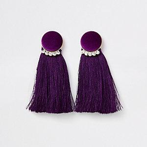 Goudkleurige oorbellen met paars fluwelen kwastjescirkel