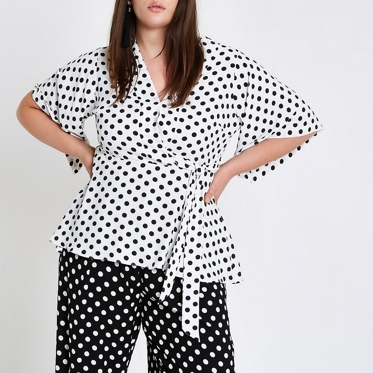 Plus white polka dot kimono sleeve top