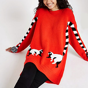 Roter Oversize-Pullover mit Print