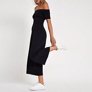Zwarte jumpsuit in bardotstijl met wijde pijpen