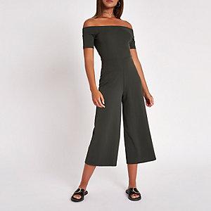 Gerippter Bardot-Overall mit weitem Bein in Khaki