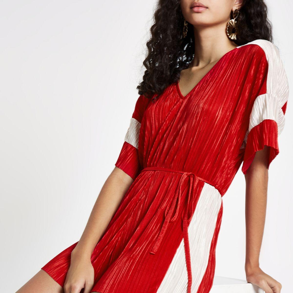 Red colour block plisse V neck playsuit