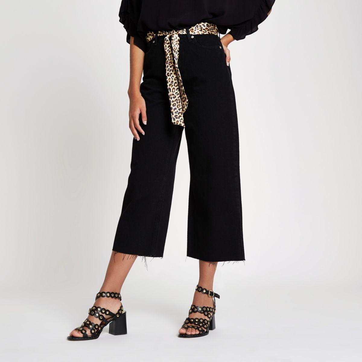 Alexa – Schwarze Cropped-Jeans mit weitem Bein und Gürtel