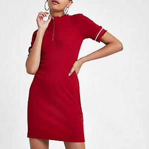 Mini robe moulante côtelée rouge zippée sur le devant