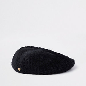 Black faux fur fluffy beret