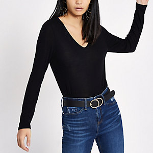 Black V neck long sleeve T-shirt