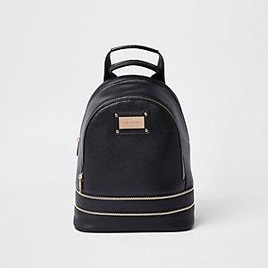 Schwarzer Rucksack mit Reißverschluss