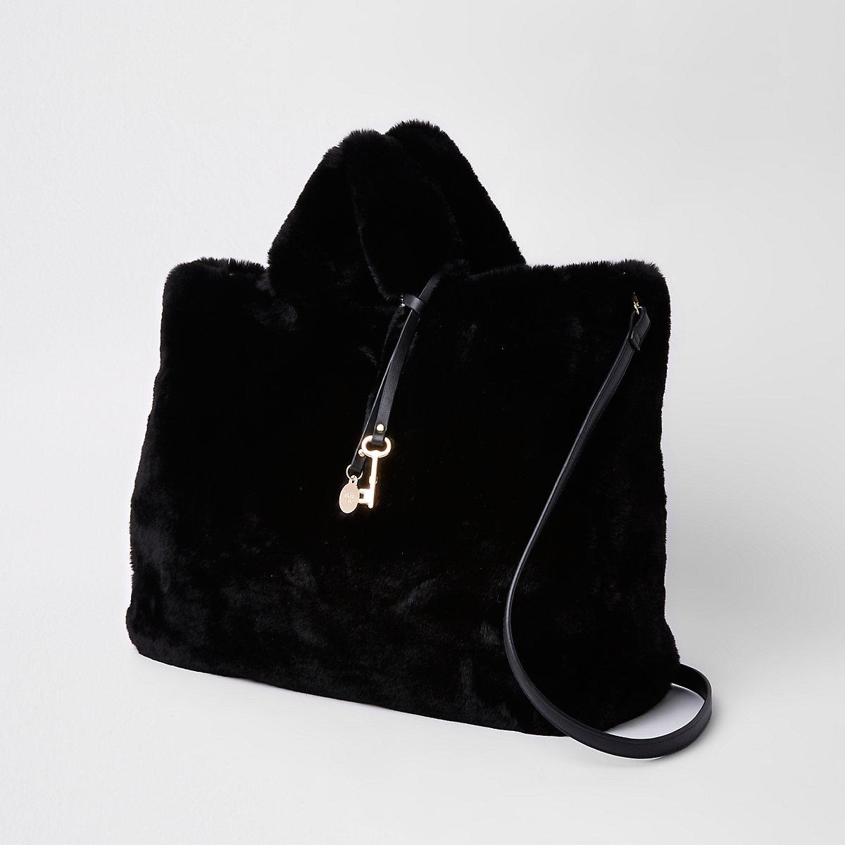 Schwarze Shopper-Tasche aus Kunstfell - Taschen & Geldbörsen - Sale ...