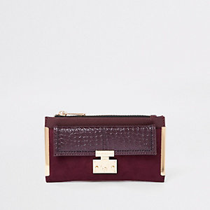 Dark red lock pocket front foldout purse