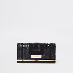 Black square cutabout clip top purse