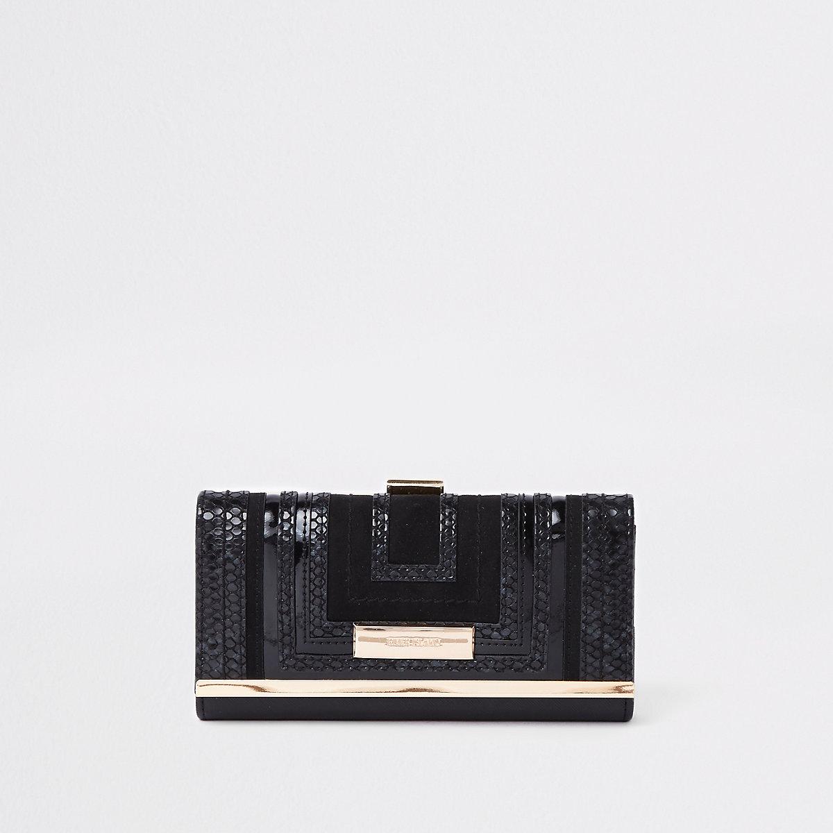Black square cutabout clip top purse